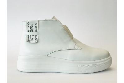 Женские белые ботинки из натурального лака Арт. 1269-05л