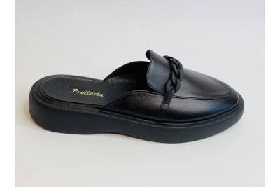 Летние женские кожаные черные шлепки с цепью Арт. 2137-01