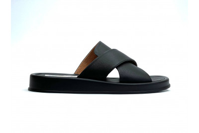 Женские черные кожаные шлепки Арт. 2151-01