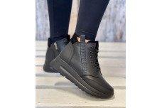 Женские черные кожаные зимние ботинки Арт. 2330-01